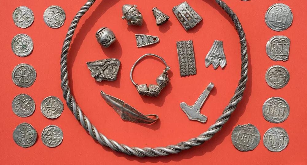 History of Viking jewelry and fashion